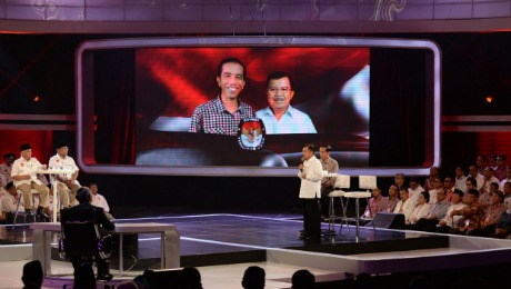 Indonesia's Big Choice: Can Jokowi or Prabowo Restore Growth?