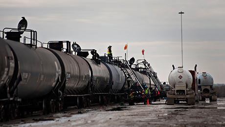 Daily Agenda: Supply Glut Weighs on Oil Markets