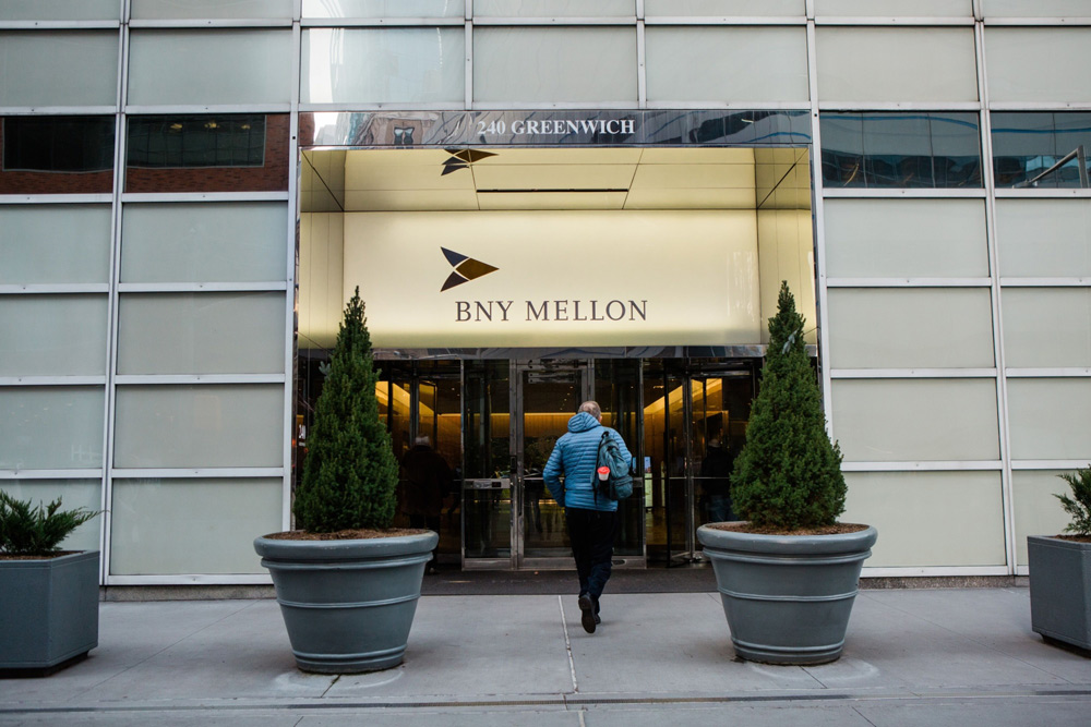 BNY Mellon Bets on Outsourcing (And Advice)