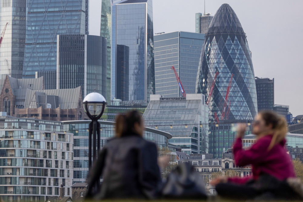 U.K. Asset Owners Pledge to Push Managers on Diversity