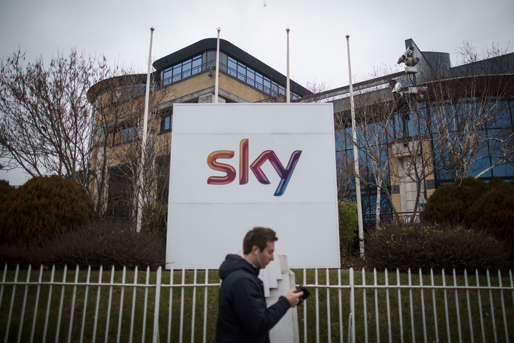 Hedge Funds Watch Sky Auction as Bidding War Draws to an End