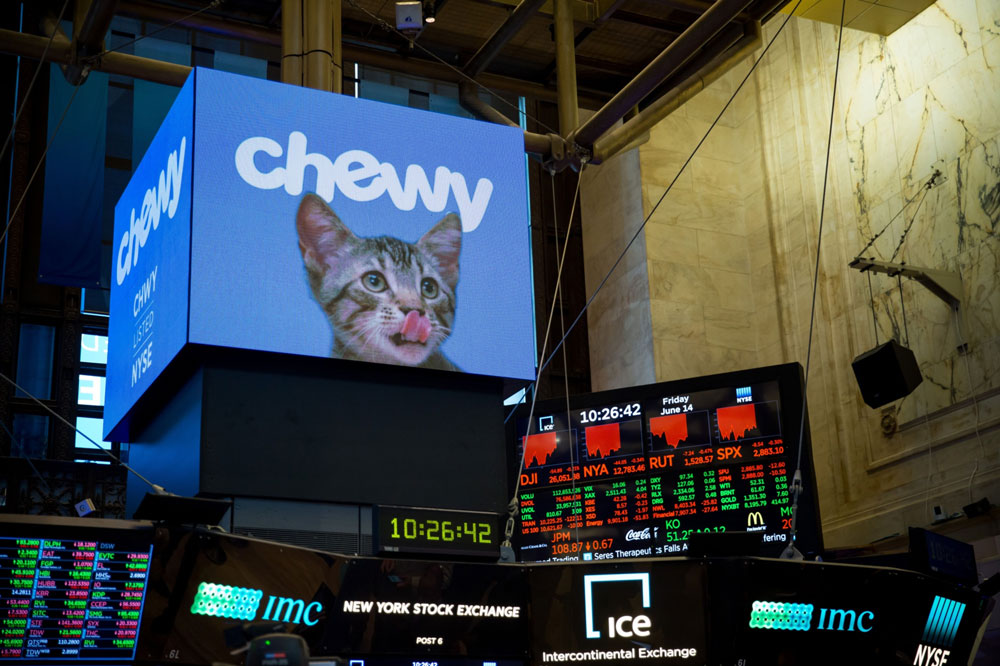 Chewy's Recent Surge Boosts Hedge Fund Backers