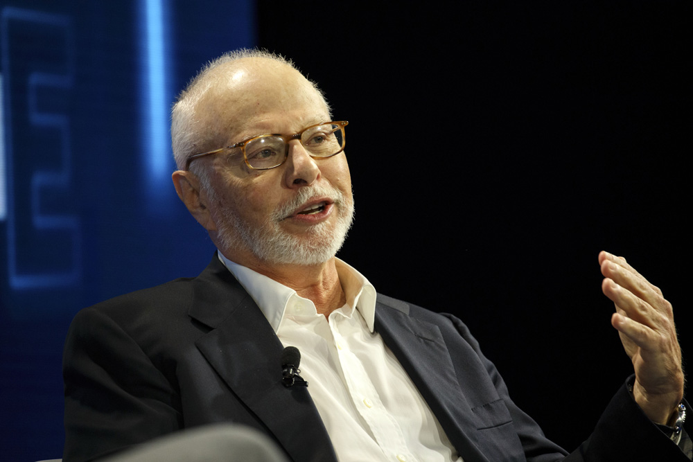 Is Tracking Paul Singer a Losing Bet?