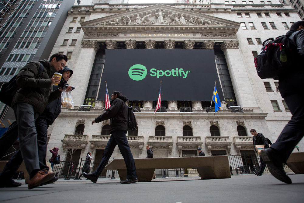 Big Name Hedge Funds Bail Out of Spotify's Stock