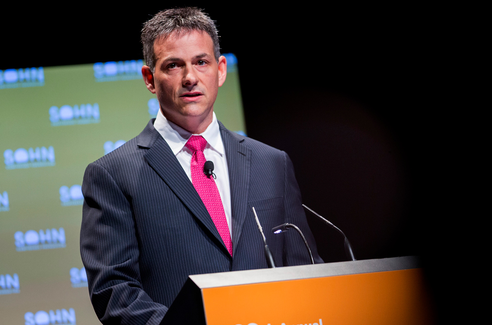 Can David Einhorn Fix Greenlight Re?
