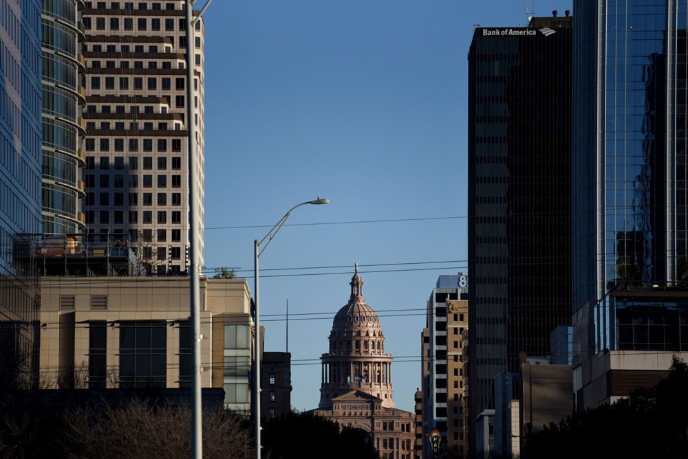 After Blowback,Texas Teachers Pauses Its Move to a New Office