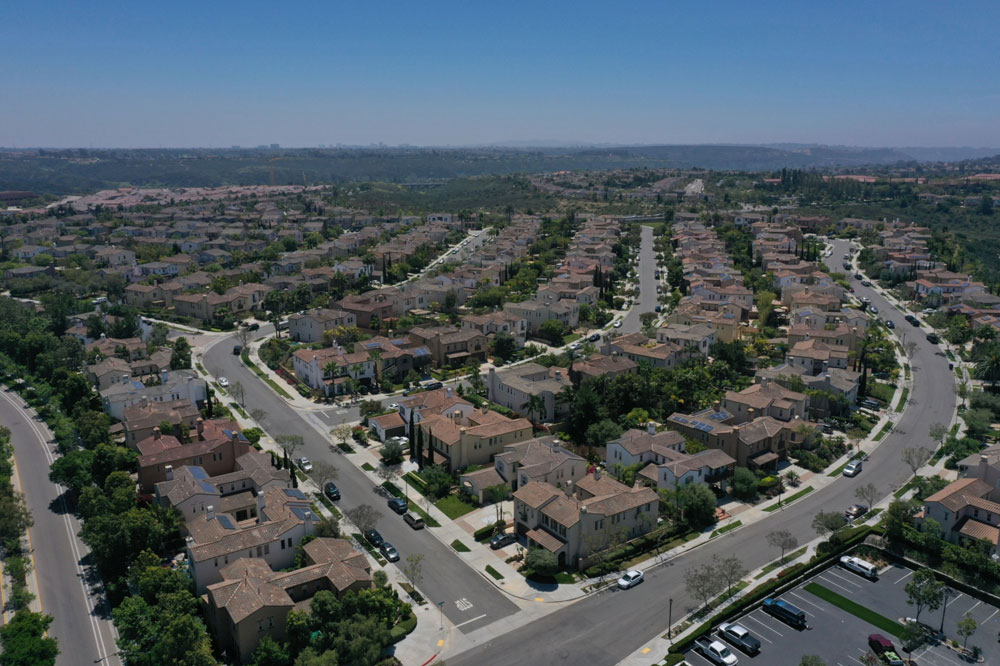JPMorgan Bets on a Dash for the Suburbs