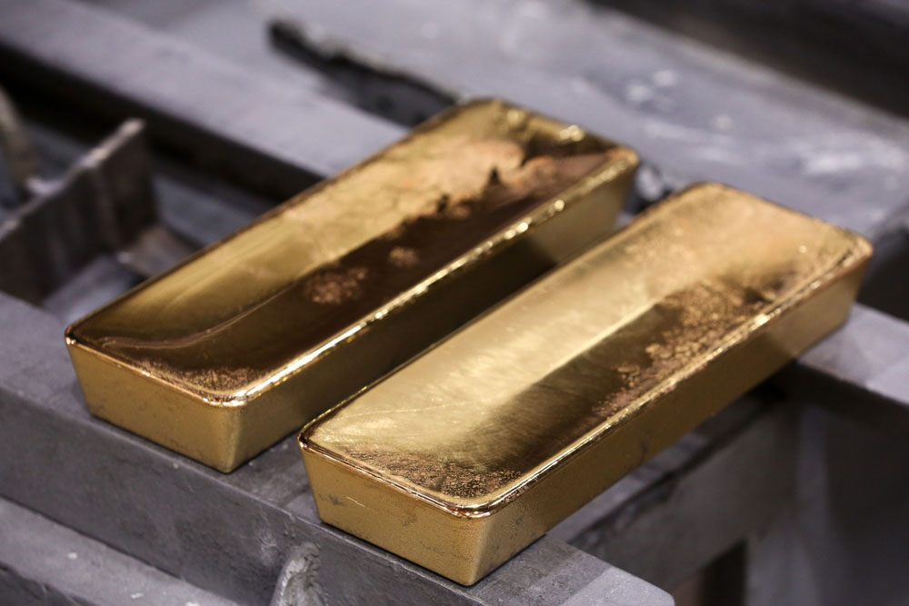 Why Hedge Funds Are Embracing Gold